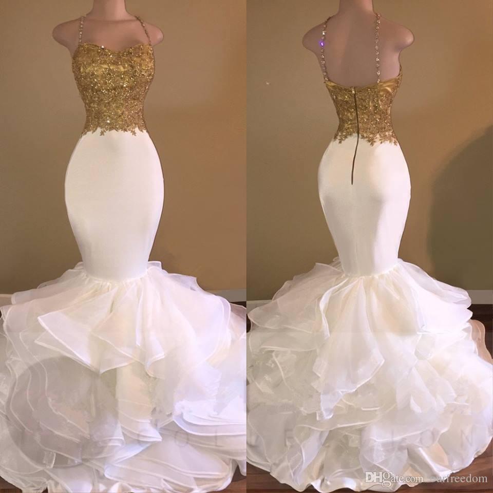 Sexig guld sjöjungfrun lång prom party klänningar 2019 spaghetti-rem ärmlös oäpless 2k17 applique pärlstav kristall ruffles spets kväll klänningar