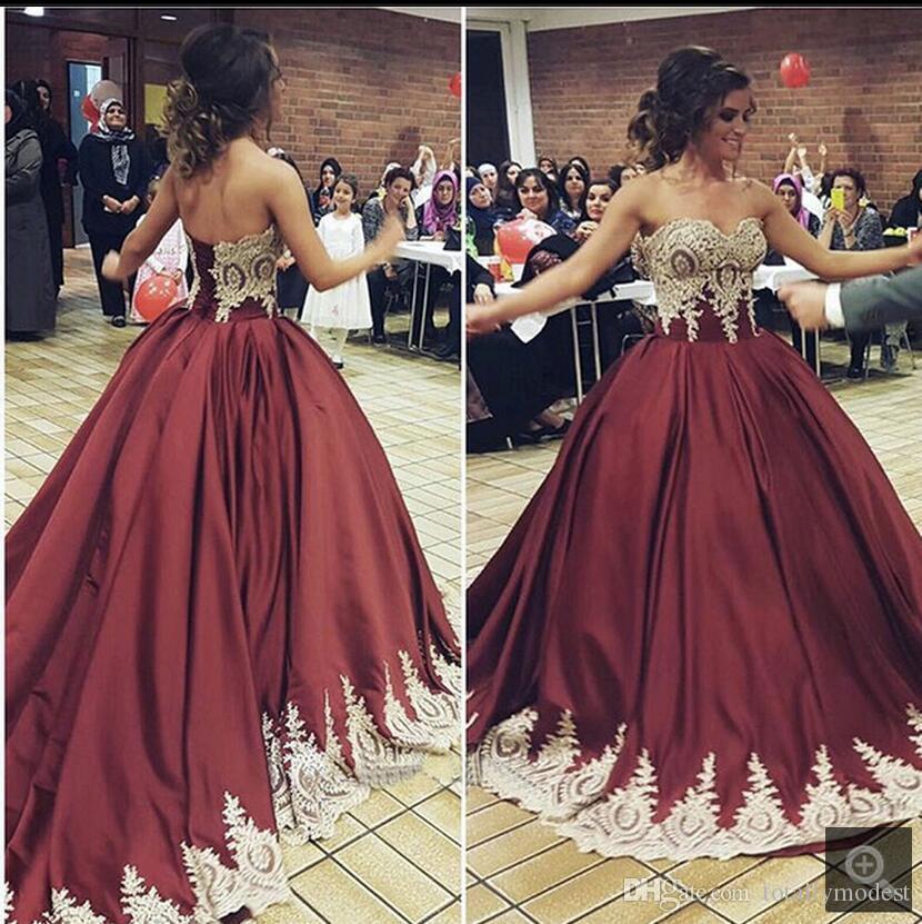 Vintage Burgundy Gold Ball Gown Abiti da sposa colorati Sweetheart Corset Back Dubai Arabo Abiti da sposa non bianchi