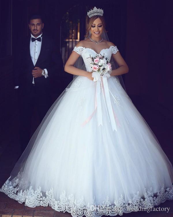 아랍어 레이스 공 가운 웨딩 드레스 어깨 절묘한 레이스 Appliques 푹신한 얇은 명주 얇게 썬된 가운 사용자 정의