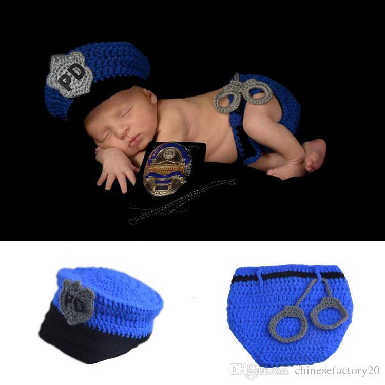Neugeborenen Fotografie Prop Polizei Kostüm häkeln wolle Hut Set Baby PO gestrickte Mützen Outfits Foto Requisiten