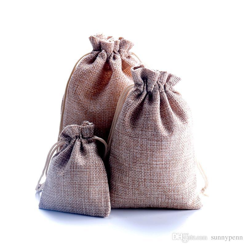 Quente! luz marrom tecido de linho sacos de cordão de doces de presente da jóia bolsas de serapilheira presente sacos de juta 7x9cm 10x14 cm 13x18 cm 15x20 cm