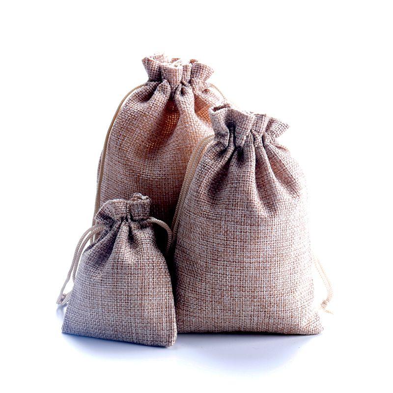 Sıcak ! 100 adet Açık Kahverengi Keten Kumaş İpli çanta Şeker Takı Hediye Torbalar Çuval Bezi Hediye Jüt çanta 7x9 cm 10x14 cm 13x18 cm 15x20 cm