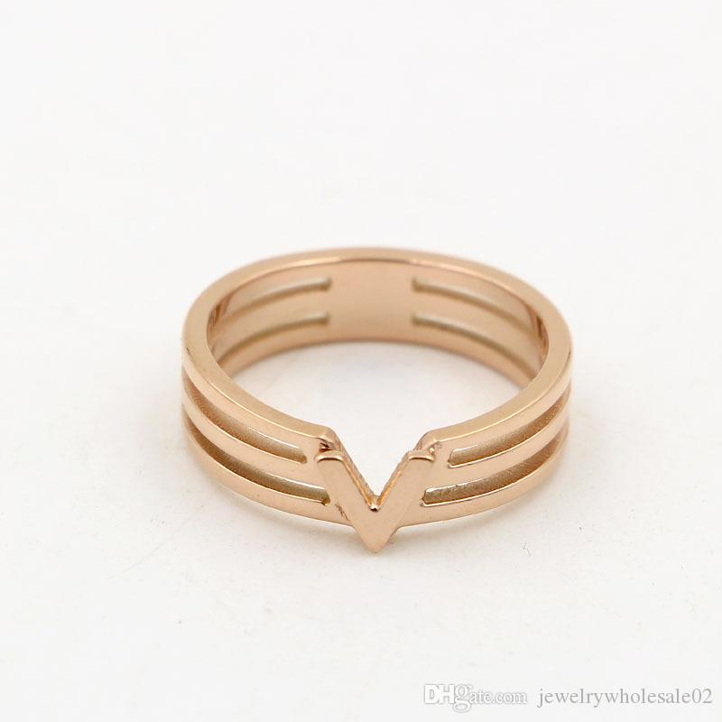 Korean fashion lovers letter V type ring Korean pop titanium plating 18K rose gold color gold ring on the ring