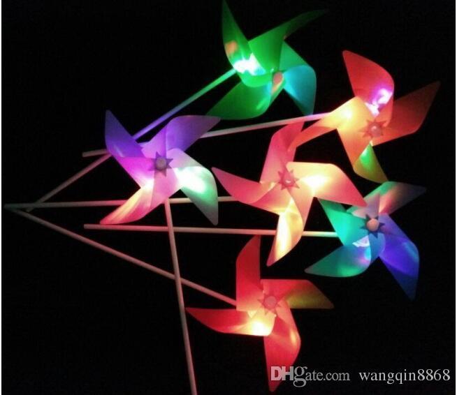 Plástico À Prova D 'Água Do Moinho De Vento Levou Luminoso Jardim de Infância Crianças Imagem Dos Desenhos Animados Colorido Presente Das Crianças Brinquedos Unissex 2017 Venda Quente