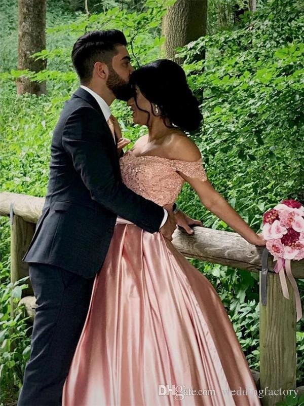 홍당무 핑크 웨딩 드레스 아랍어 어깨 페르시 레이스 아플리케 최고 레이스 업 다시 코르셋 새틴 신부 가운