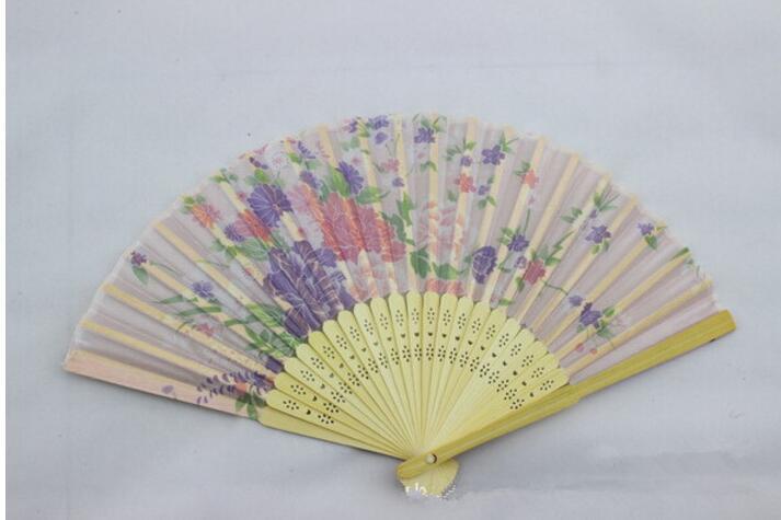 21 سنتيمتر الصينية الحرير للطي الخيزران مروحة اليد المشجعين الفن اليدوية زهرة سيدة مروحة لون عشوائي نوعية جيدة
