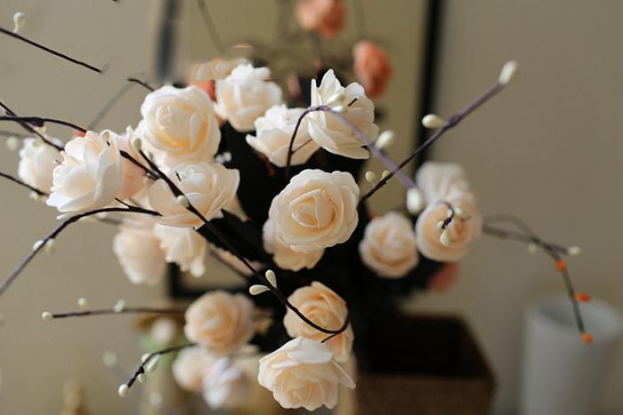 Vendita all'ingrosso Real Touch Winter Jasmine Rose Flower With 8Heads Bouquet 50 Particles / pack Perennia Piante da esterno decorazioni da tavola di nozze
