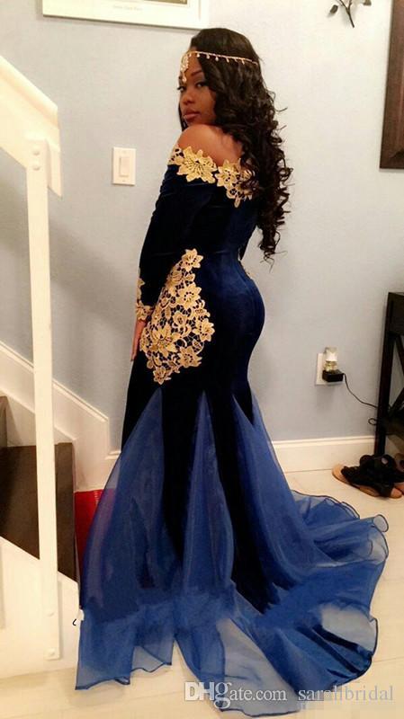 2019 New South Africa Långärmade Prom Klänningar Elegant Båt Halsband Golvlängd Mermaid Royal Blue Velvet Kvällar med guldspets