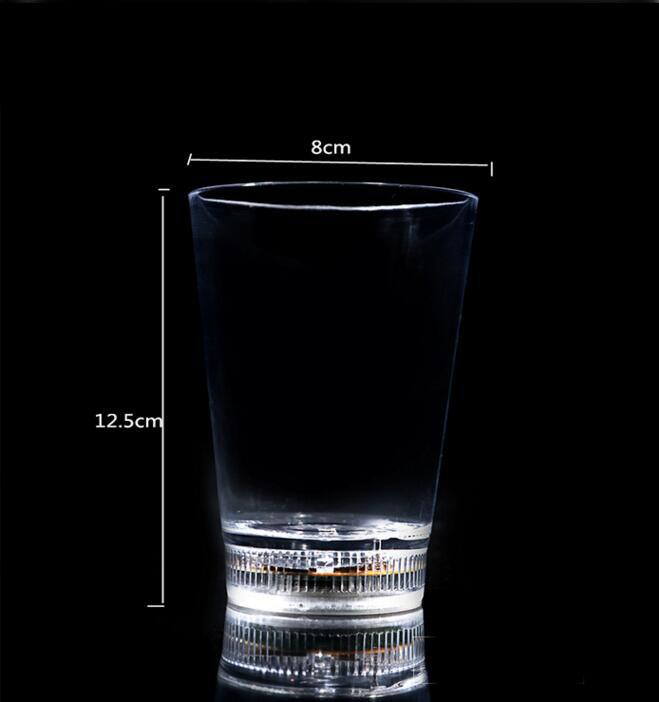 Agua Activado Cambio de color Luz de flash LED Luz parpadeando Rocas Plástico Barware Lámpara Vino Whisky Shot Glass Cup Para Bar Club