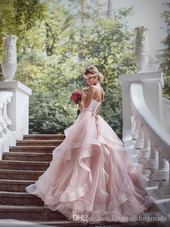 Erröten Rosa Organza Tiered Röcke 2017 Garten Brautkleider Schatz Rüschen Prinzessin Bohemian Brautkleider Mit Perlen Schärpe