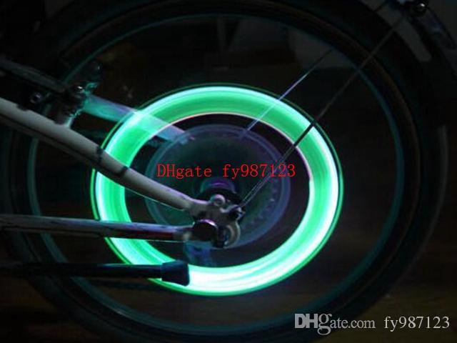 Skull Bicycle Wheel Light LED Bike Lights Skull Valve Cap Light Wheel Tyre Lamp for Car Motorbike Bike Lights Gas Nozzle Valve Lights Skull