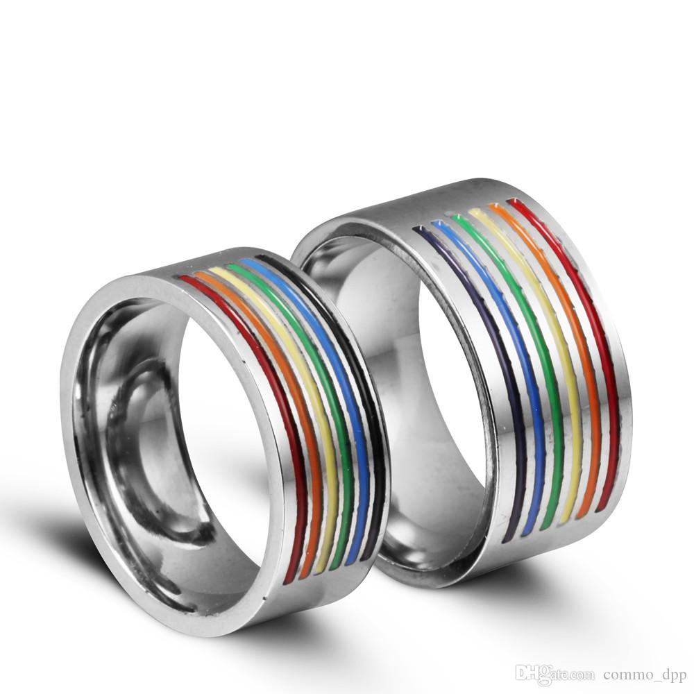 Nuevos anillos gay de acero inoxidable Color de arco iris en el orgullo homosexual Anillo de acero de titanio de alta calidad para hombres Mujeres de moda joyería a granel