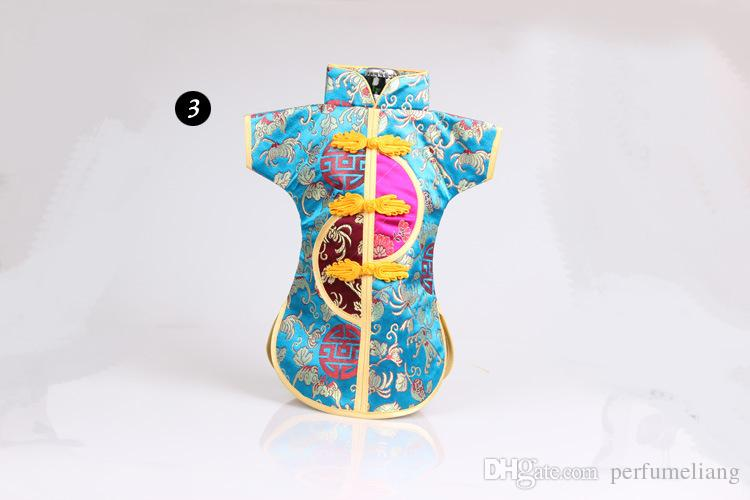Chinese Handmade Classic Clothes Style Silk Wine Bottle Cover New Year Banquet Christmas Dinner Table Decor Gift ZA3800