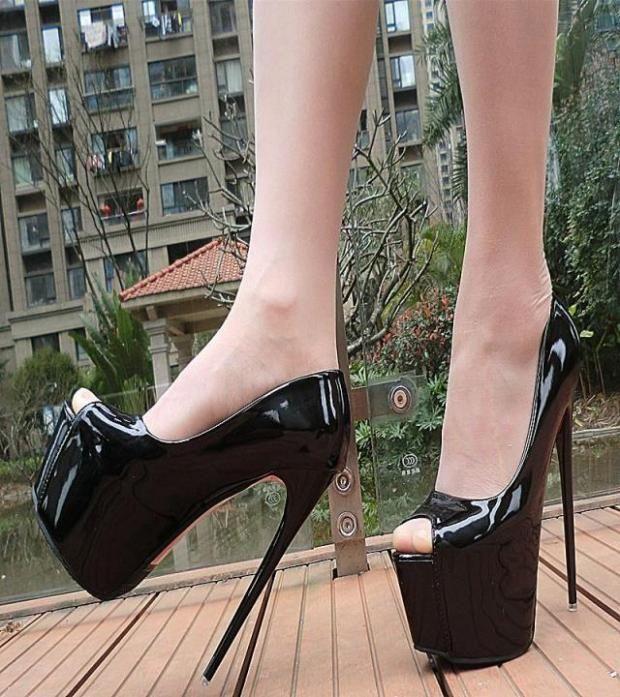Grossiste livraison gratuite usine classique peep toe caché plate-forme sexy talon haut couleur rouge 17cm brevet de mariage chaussure 148