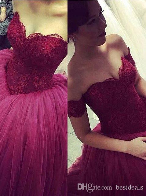 Eegant Fuori dalla spalla senza maniche 2017 Borgogna Prom Dresses Pizzo Tulle Ball Gown Abito da sera formale Abiti da sposa