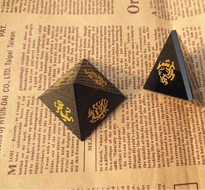 Natürliche Obsidian Bronzing vier große Gott Tier Pyramide Haushaltsgegenstände buddhistischen qibao Das Stadthaus abzuwehren Pech