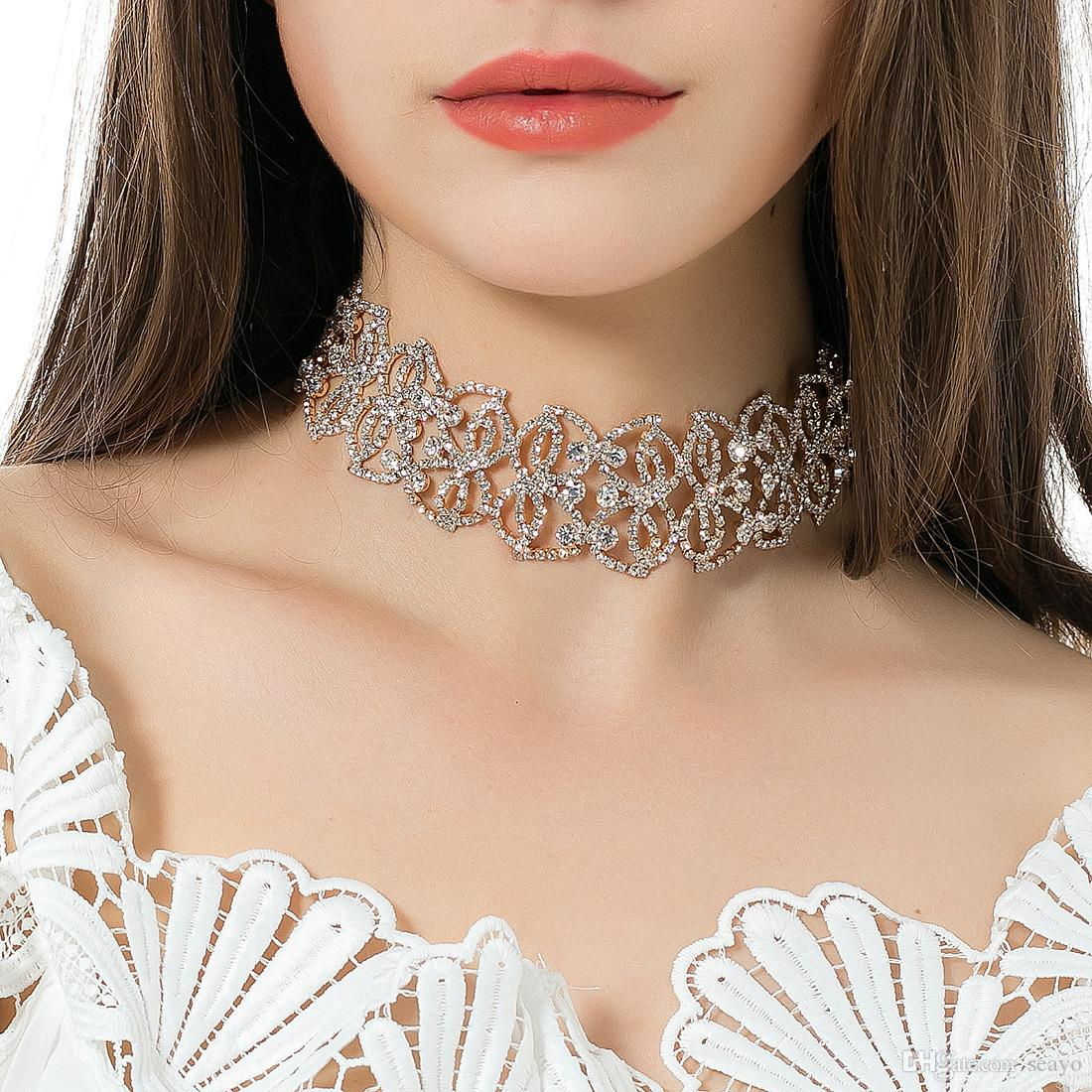 Avrupa ve Amerikan moda zincir kolye elmas kolye içi boş pençe desen, altın ve beyaz K rengi