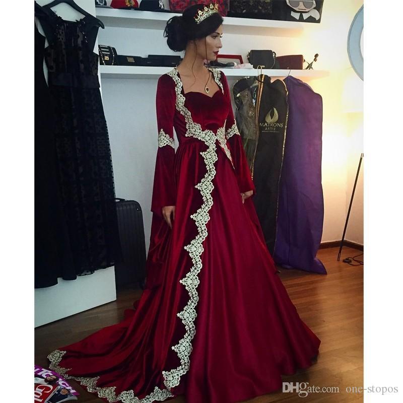 Arabe Long Bourgogne Velvet Formel Robes de soirée Dentelle Appliques Trompette Manches longues Caftan Dubai Fête de la fête du bal