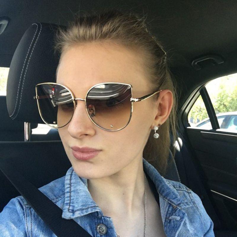 0fb4f5b3cea8e Compre 2017 Novo Estilo De Olho De Gato De Óculos De Sol Das Mulheres Claro  Espelho Óculos De Sol Do Sexo Feminino Senhoras Grande Cateye Óculos De Sol  ...