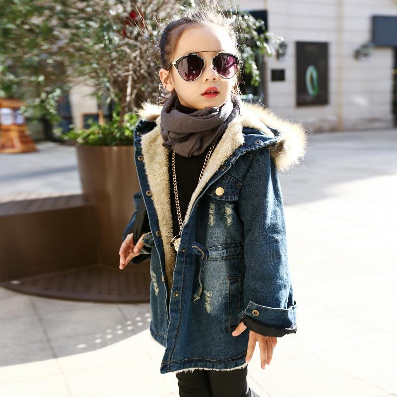 С капюшоном теплые толстые девушки джинсовая куртка 2017 Зима Осень куртка полный рукав дети верхняя одежда пальто сгущает бархат девушки наряды