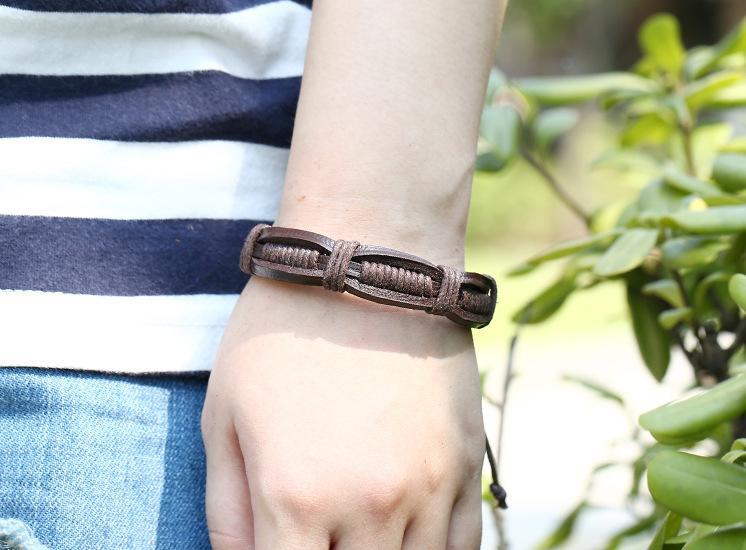 Brandneues Leder geflochtenes Rindslederarmband, das schwarze und braune Farbe FB471 verkauft Mischungsauftrag 20 Stücke viel Slap-Verschluss-Armbänder