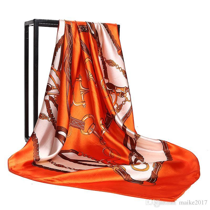 Bufanda de las mujeres 90 cm * 90 cm bufanda de seda 100% para las mujeres 2018 gira de primavera Euro marca diseñador francés patrón impreso mujeres bufandas de chal de regalo