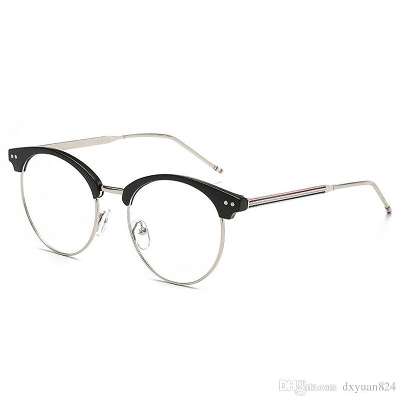 cabd76d11f433 D.King Moda Liga Retangular Moldura Completa Fio De Metal Do Vintage  Armações de Óculos Retro Claro Lens Eyewear Armações de Óculos Das Mulheres  Dos Homens