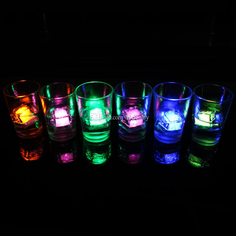 Multi LED Cor Mudando Flash de Luz Cubo De Cristal De Gelo para Festa de Casamento Evento Barras Chirstmas Multi Color frete grátis