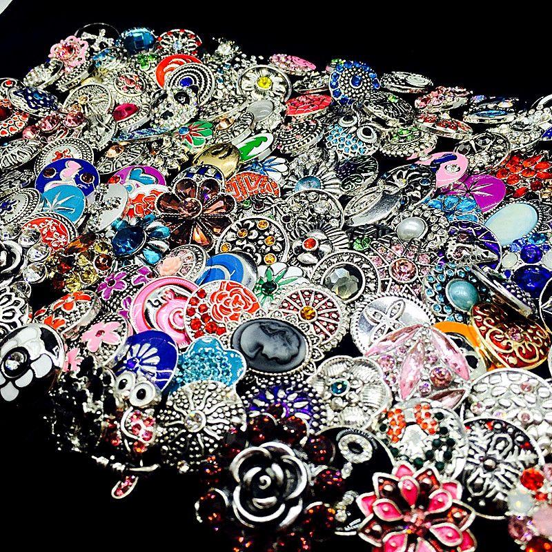 Venta al por mayor 100 unids / lote bulk mezcle estilos jengibre moda 18 mm metal diamantes de imitación DIY Snaps Button Snap Jewelry a estrenar