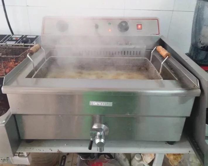 Friteuse commerciale de 30L friteuse de poulet friteuse électrique de friteuse de grande capacité électrique de machine de friteuse électrique en 220V