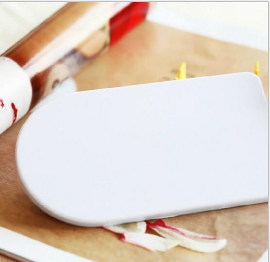 Pastel blanco Smoother Decorating Pulidor Sugarcraft Sharp Icing Smoother Edge Cocina Fondant Tool Día de San Valentín Pastel de regalo