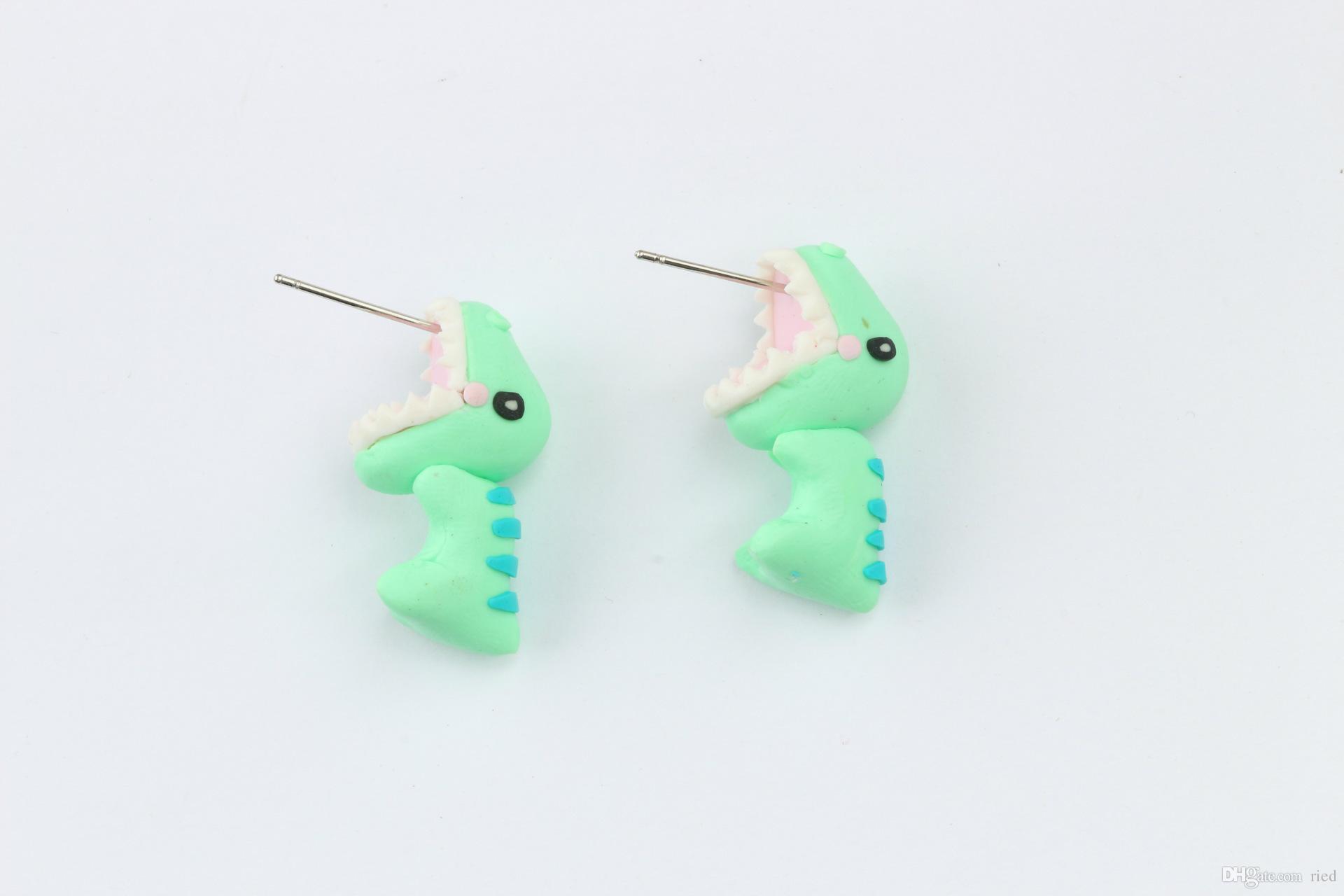 Cute Green Dragon Design Minuscoli orecchini a bottone in argento fatti a mano in polimero morbido in attesa di orecchini le donne ragazze gioielli orecchio bijoux