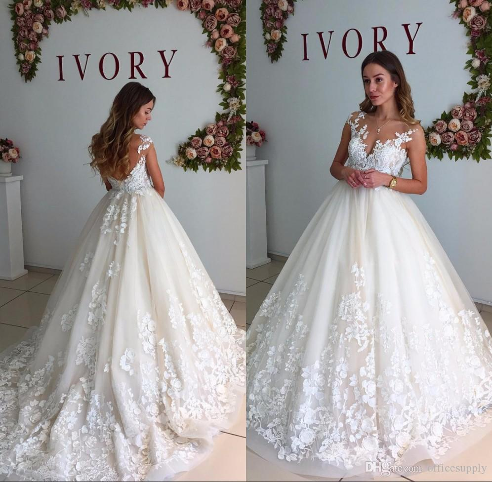 Ball Gown Wedding Dresses 2019 Chapel Train Sleeveless Tank Lace Appliques Deep V Neck Zipper Bridal Gowns Vestidos De Noiva