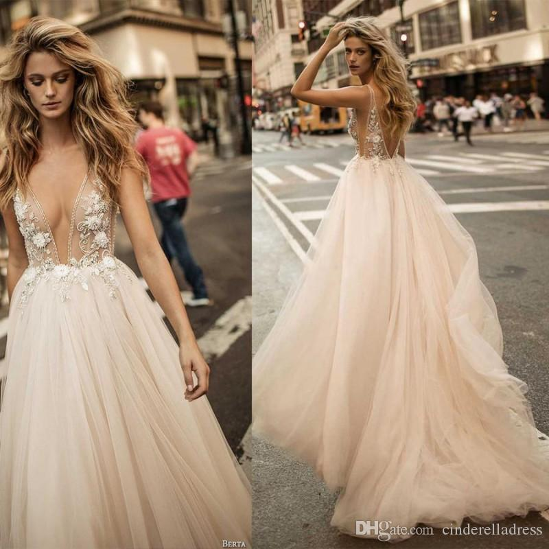 2019 Sheer Sexy Berta robes de mariage d'été pour le champagne robes de mariée dos nu profondes décolleté en V A-ligne de robes de mariée fortement orné
