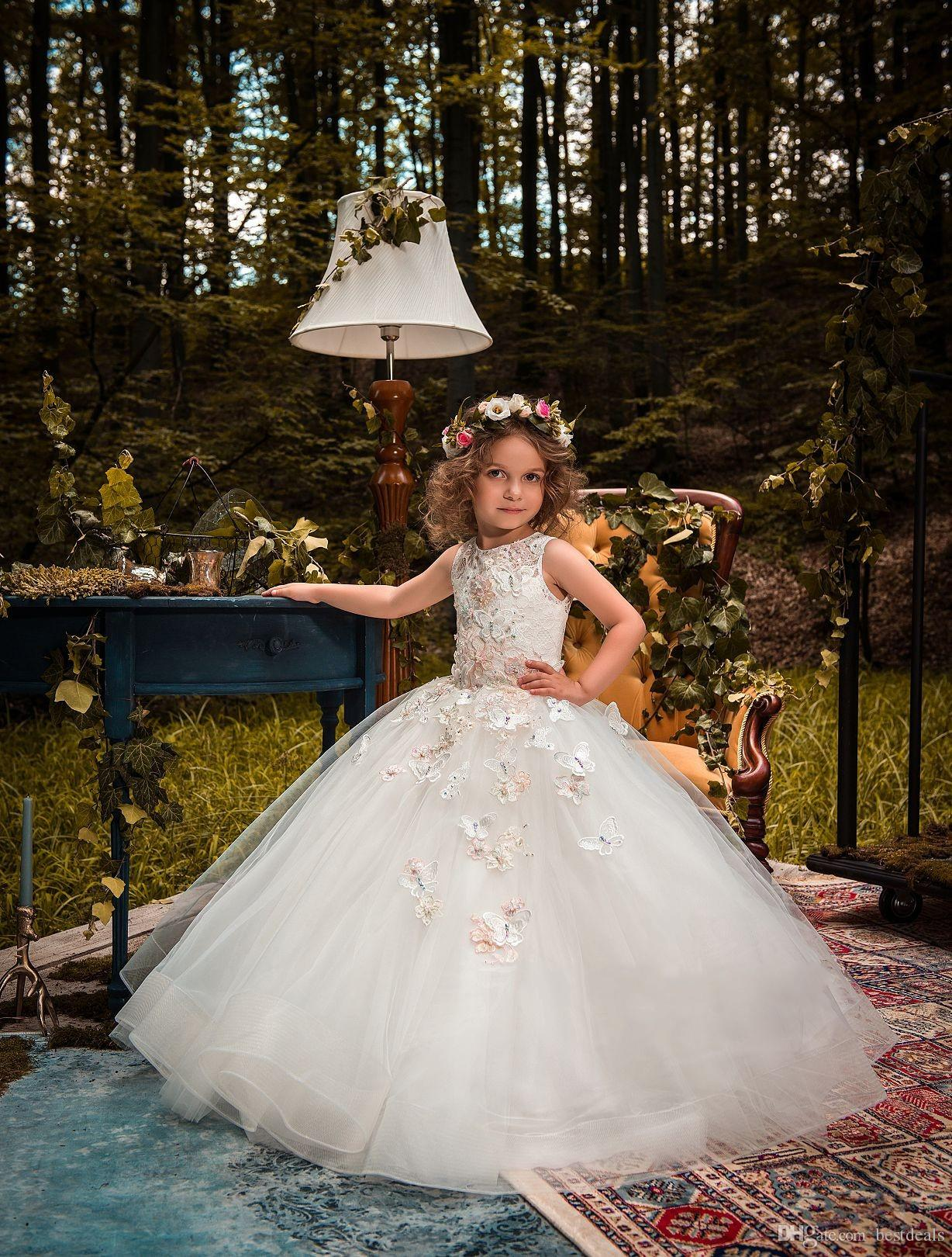 2018 Vintage Flower Girl Dresses For Weddings Custom Made Princess Tutu Lace Beads Butterflies Kids First Communion Gowns