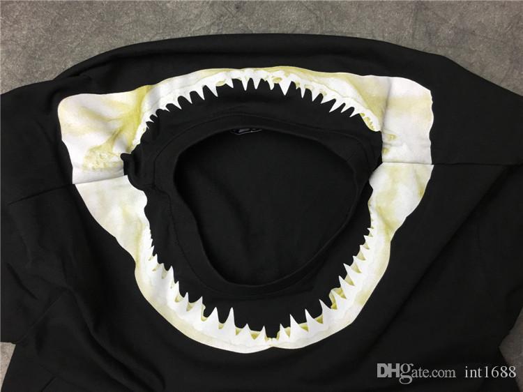 حار بيع الصيف أزياء ماركة الرجال القرش الأسنان نمط طباعة أزياء تي شيرت الرجال قصيرة الأكمام عارضة تي شيرت الرجل عارضة المحملة