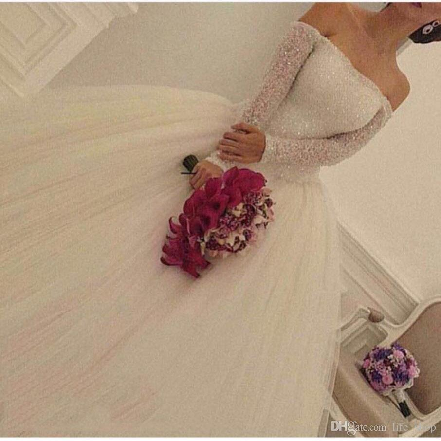 Robes de mariée à l'épaule Robes à manches longues 2017 Bling Bling Bling Beads Robe Boule Robes de mariée gonflées