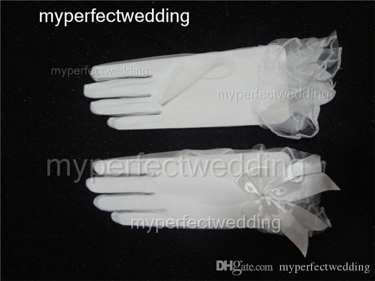 Short Tull Bridal Gloves Full Finger Wrist Length Bow Wedding Gloves See Through Sheer Real Photos High Quality Bridal Party Dress Accessory