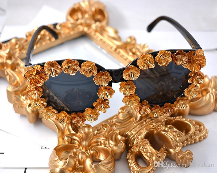 New Luxury Baroque Sunglasses Women Metal Flower Vintage Eyewear Brand Design Sun Glasses Outdoors Casual Fashion Accessories