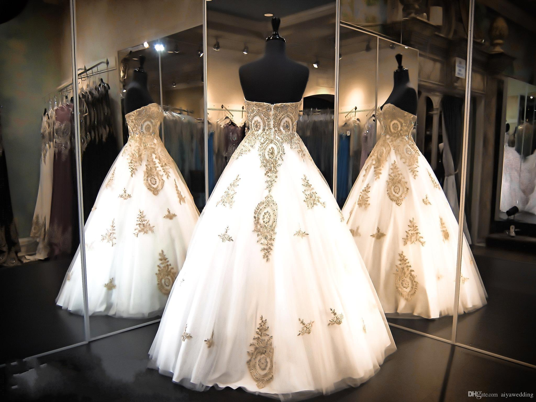 2019 Sweetheart Quinceanera Dresses Ball Gowns Tiers Tulle with Gold Appliques 15 Sweet Prom Party Gowns Custom Pageant Gowns