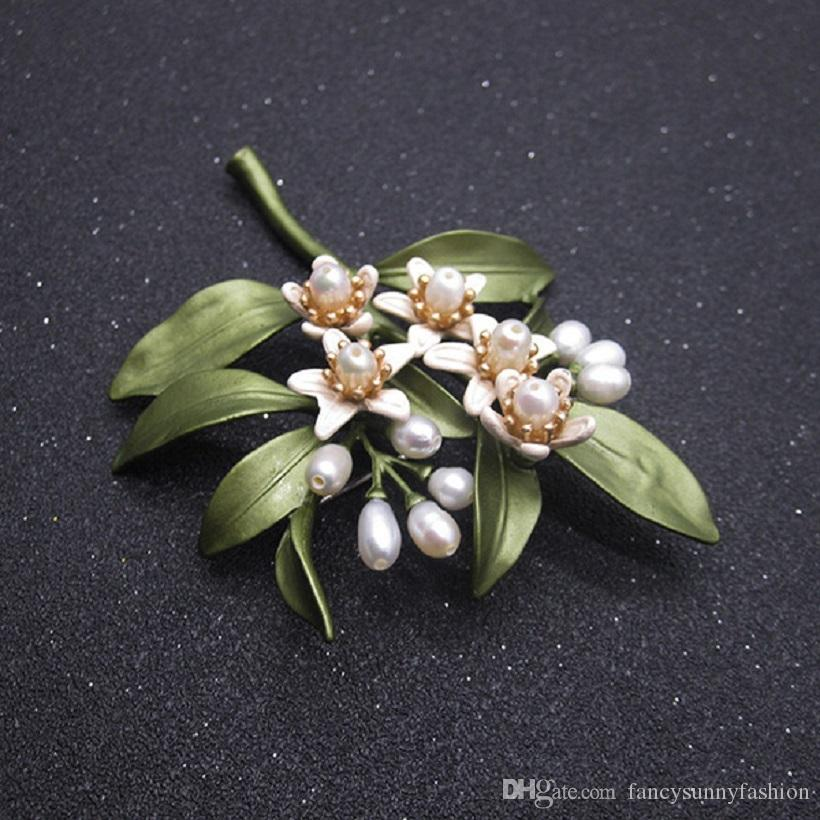 orange blossom brooches natural pearl lapel pins for women suit dress coat wearing retro vintage elegant style green leaves white flowers