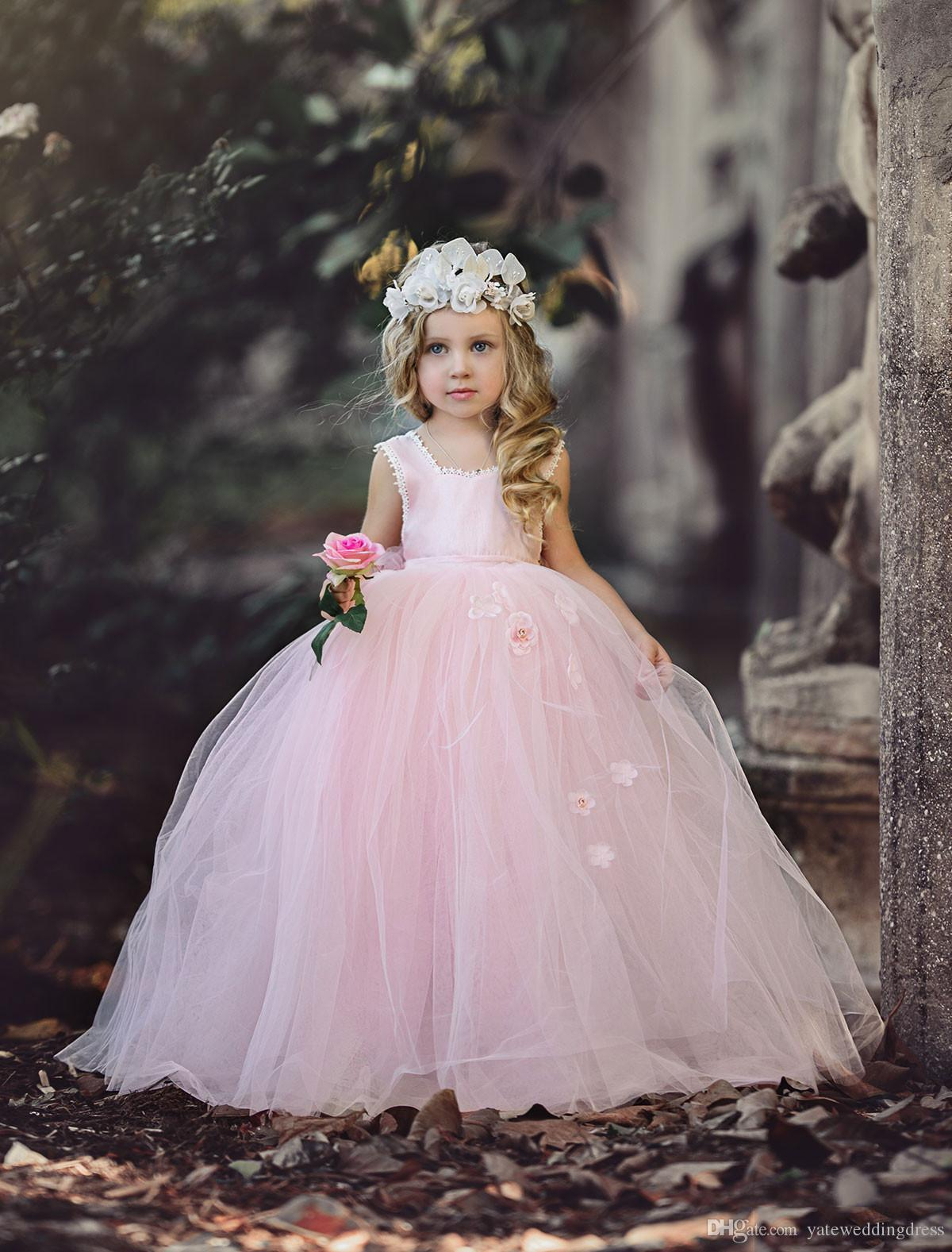 Light Pink Flower Girls Dresses Scoop Neckline Sleeveless Birthday Dress Back Zipper Ball Gown With Handmade Flowers Tiered Custom Made