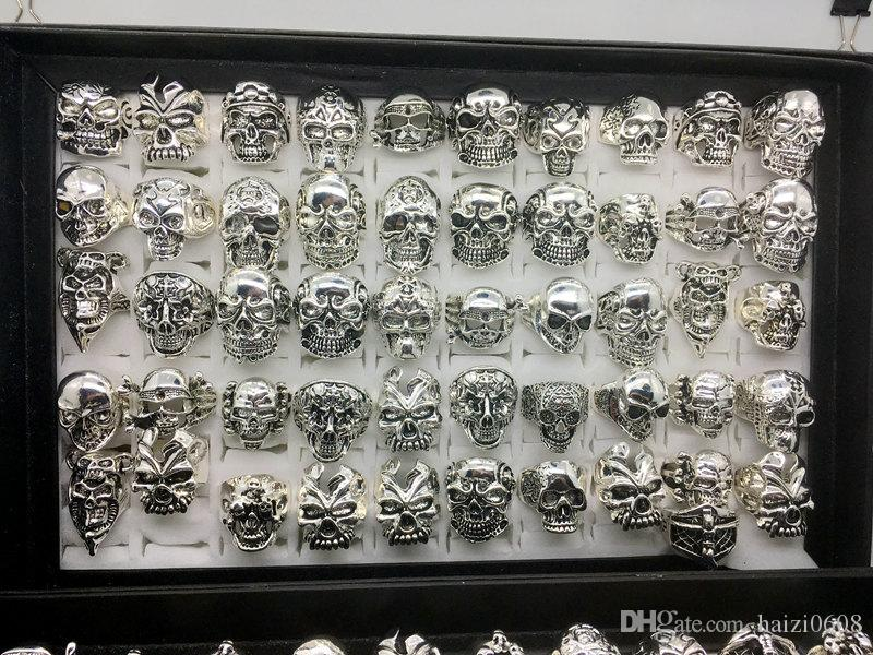 Wholesale 50pcs/lot Gothic Big Skull Ring Bohemian Punk Vintage Antique Silver Mix Style Mens Fashion Jewelry Skeleton Ring Size 20MM-22MM