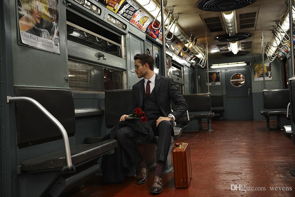 New Arrival Black Men's Suits Three Piece Two Button Peaked Lapel Slim Fit Gentleman Office Suit Set Jacket+Vest+Pant