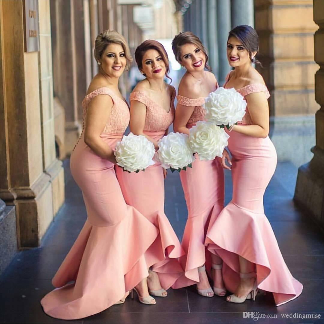 2019 New Arabian Bridesmaids Abiti Sweetheart Off spalle Corpetto di pizzo senza schienale High Low Dubai Ruffle Skirt Abiti damigella d'onore