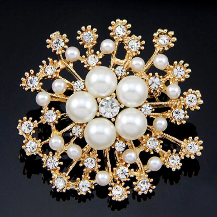 Bridal Brooch Crystal Rhinestone Snowflake Pearl Brooches Snow Flower Pins Brooch Women Jewelry Accessories Crystal Pins Christmas Gifts
