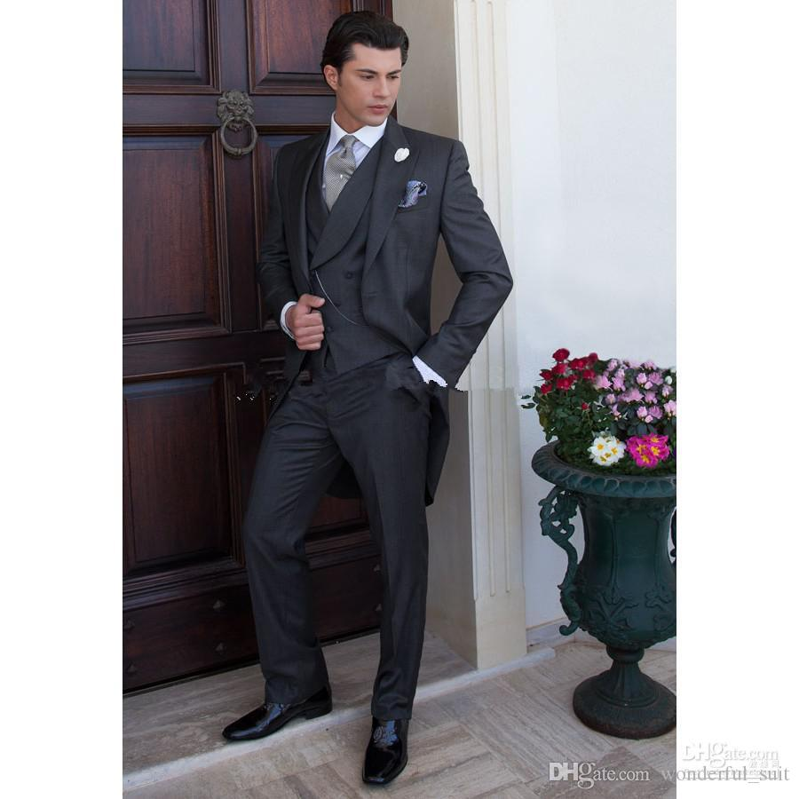 Custom Made Morning Style Charcoal Groom Tuxedos Best Man Peak Lapel Groomsmen Hombres Trajes de boda Novio chaqueta + pantalón + corbata + chaleco H802