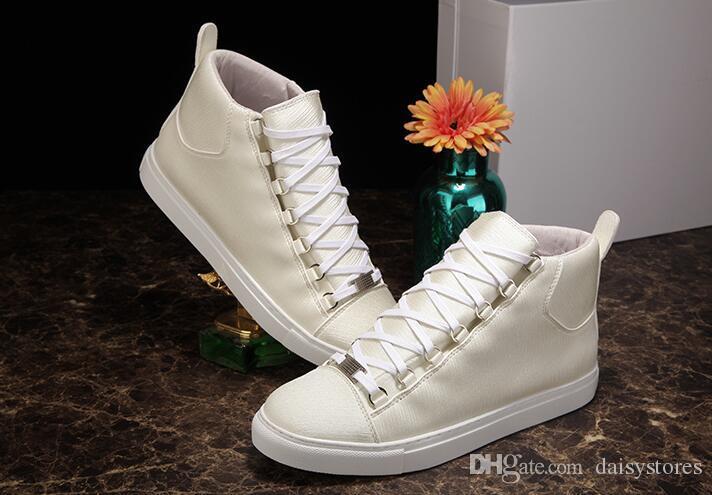 2017 الساخن بيع عالية الجودة عالية أعلى الرجال الأحذية الفاخرة أحمر أسود أبيض حقيقي جلد الرجال عارضة الأحذية الشقق الأحذية 38-46 المدربين