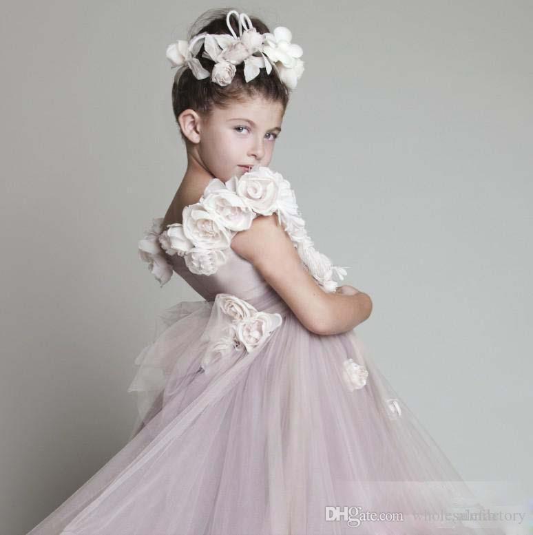 Güzel Tül Ruffled Çiçek Kız 'El Yapımı Çiçekler ile Elbiseler Kabarık Etekler kızın Pageant elbise Resmi Küçük Kızlar Için Elbiseler Giymek