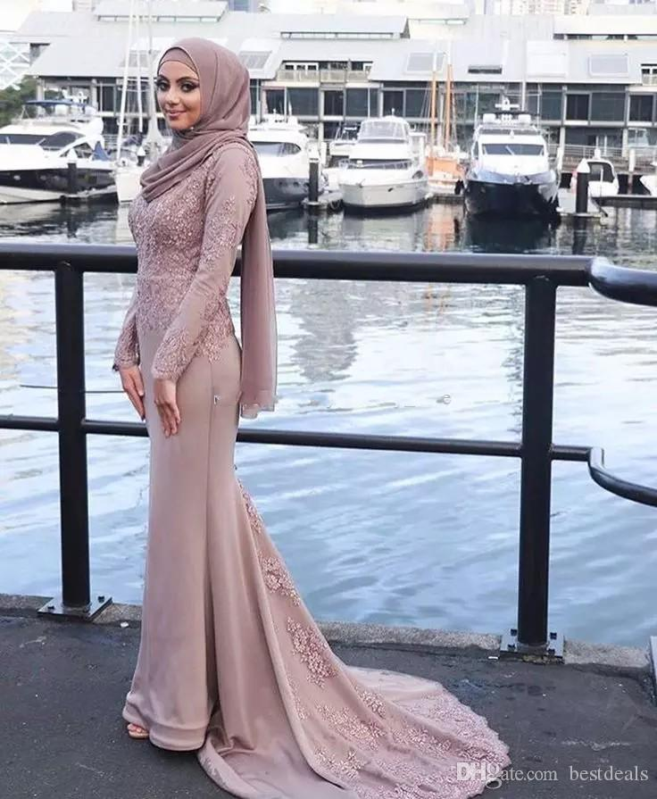 2018 robes de soirée musulmanes rose poudré hijab appliques encolure dégagée ruban ceinture ceinture satin robes de bal sirène robes de soirée de balayage train